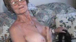 very very nice older lady.wmv