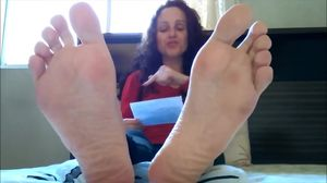 BARE FOOT & Mature Soles Sexy