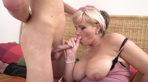 Margaux M. (44) - horny housewife..